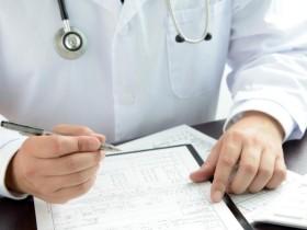 美国医生的工资那么高还要涨?问君为何不上天?